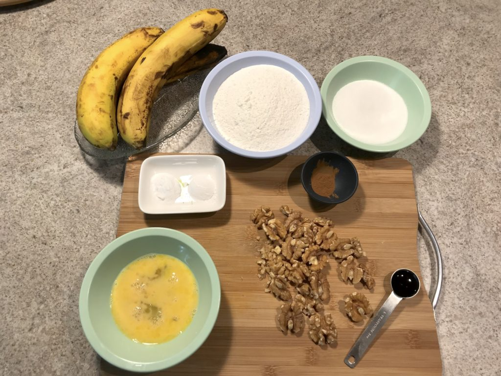 banana walnut muffins ingredients