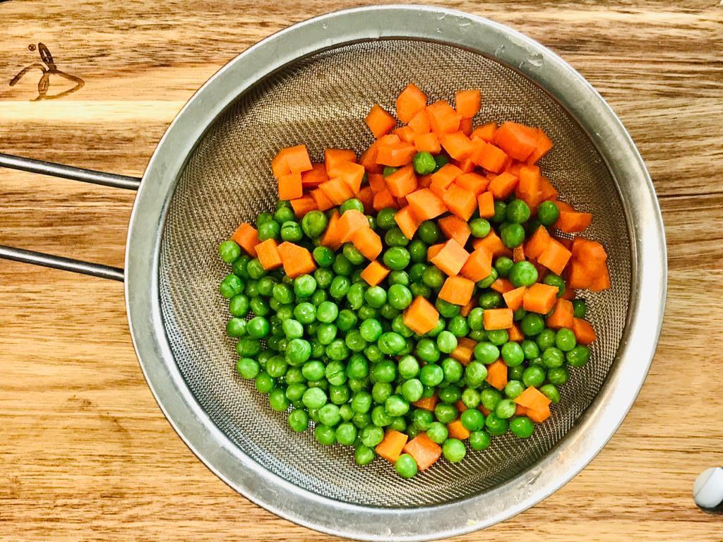 fried-rice-peas