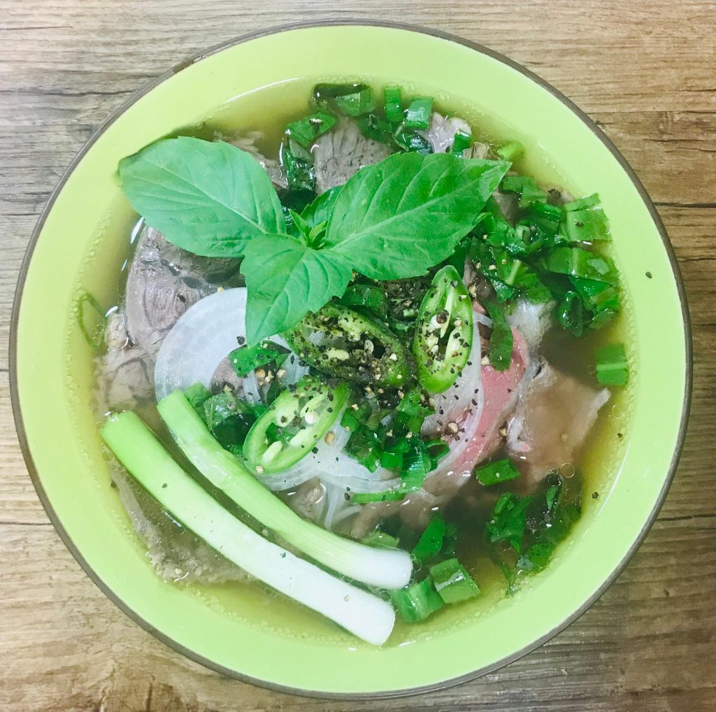 Authentic-beef-pho_broth_a-bowl-of-Pho