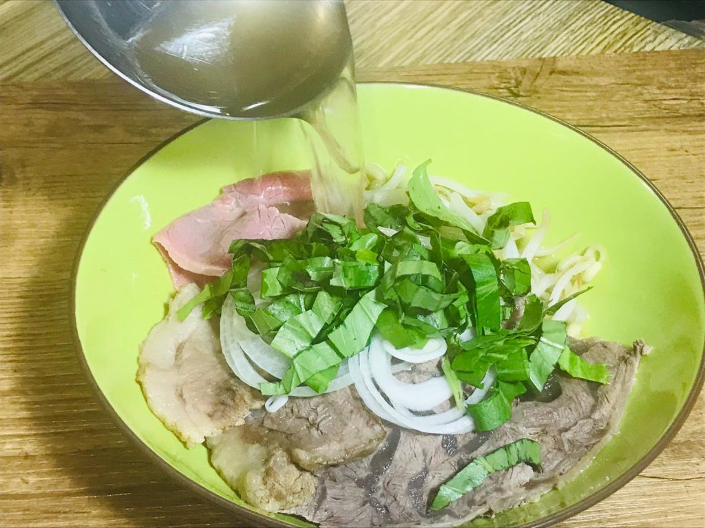 Authentic-beef-pho_broth_pour-the-broth